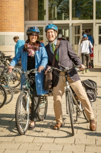 photo of two bicycle commuters (courtesy of the University of Delaware)